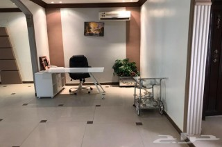 للإيجار مكاتب تجارية متميزة
